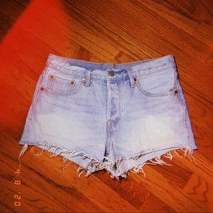 Levi Cut Off Shorts 501 W 27